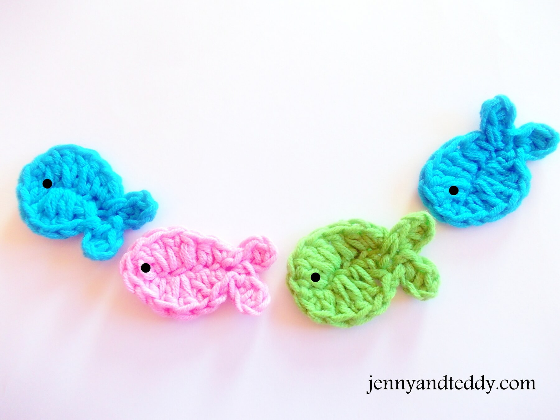 Crochet fish applique free pattern