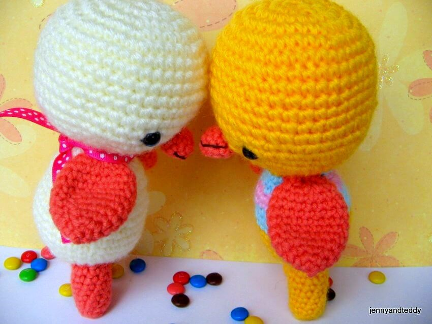Amigurumi Duckling : Two little ducky amigurumi crochet pattern