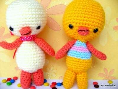 two little chicken amigurumi pattern