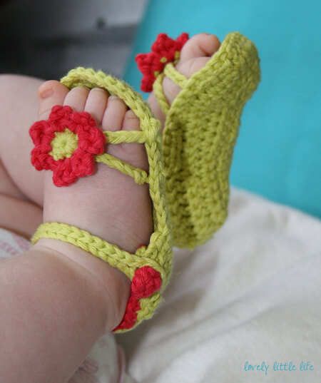 Pics Photos - Crocheting Crochet Sandals For A Baby Girl
