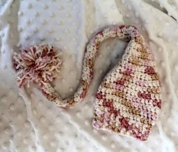 Free Crochet Pattern Long Tail Elf Hat : 25+ free Crochet Santa hat and Christmas theme