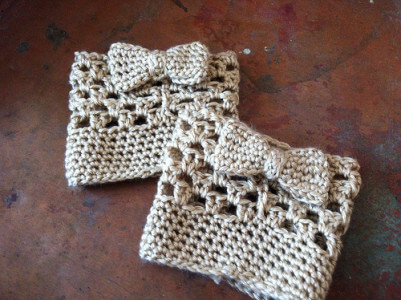 11.bow crochet boot cuff free pattern
