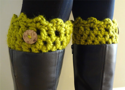 21. beginner crochet boot cuffs5
