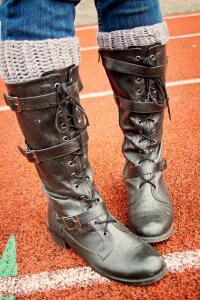 5.easy free   crochet boot cuffs pattern