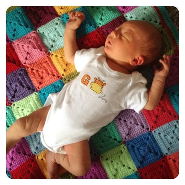 13.easy grannny square baby blanket free crochet