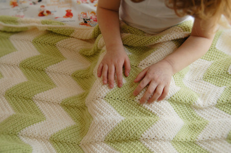 Free Pattern Crochet Chevron Baby Blanket : 20+free easy crochet baby security blanket pattern