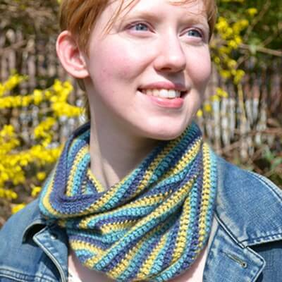 13.free how to tutorial infinity scarf cowl easy