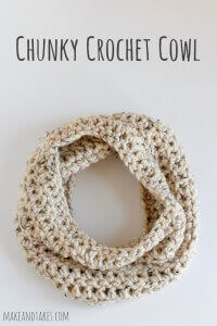 24.Simple-1-Skein-Chunky-Crochet-Cowl-Pattern-@makeandtakes_com-crochetaday