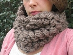 34.chunky crochet cluster cowl free pattern