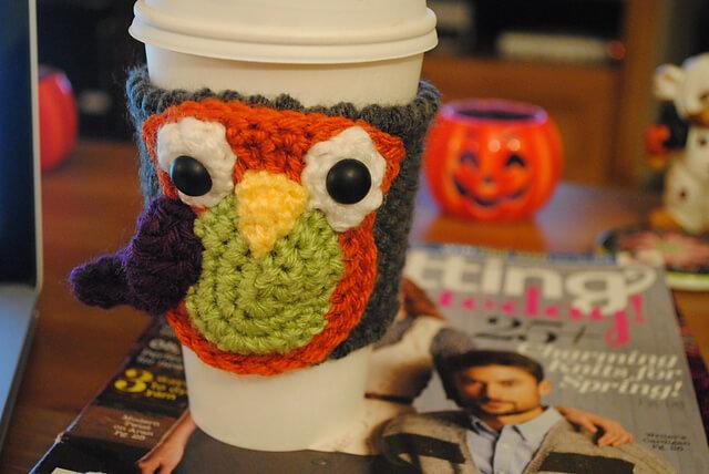 free easy Owl Cup Cozy crochet pattern