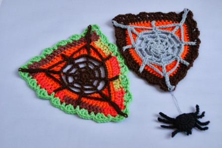 amazing free Crochet Spider Web Bunting and Spider Pattern