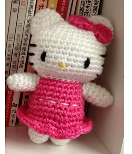 Crochet hello kitty | Hallo kitty häkeln, Amigurumi häkelanleitung ... | 500x428