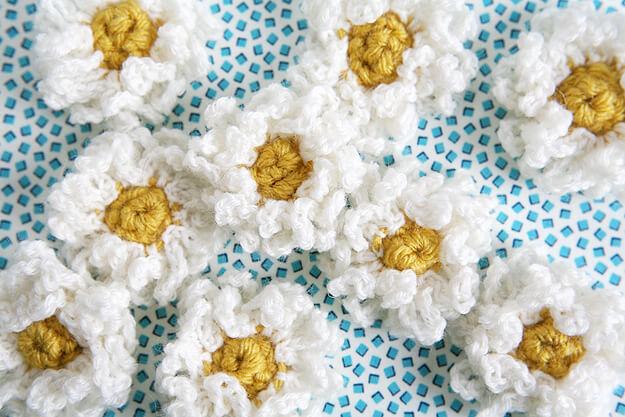 1.crochet daiaiesflower easy free pattern
