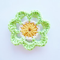 16. flower crochet free pattern beginner easy