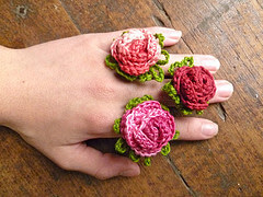 32. flower rose tiny small crochet ring with leaves free tutorial.