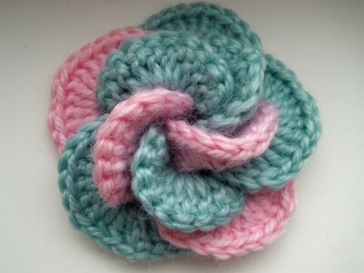 35. crochet flower free pattern beginner