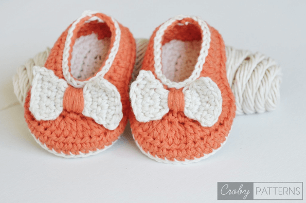 12.easy newborn baby bootie free crochet pattern