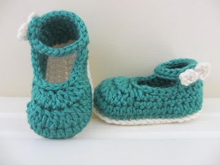 35.bow buckle mary jane free crochet baby booties tutorial