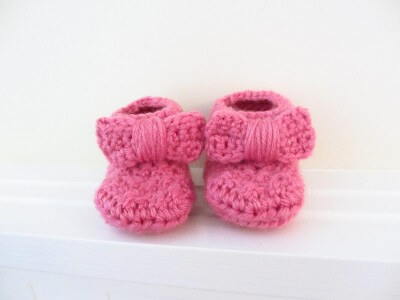 37.bow booties crochet easy free pattern