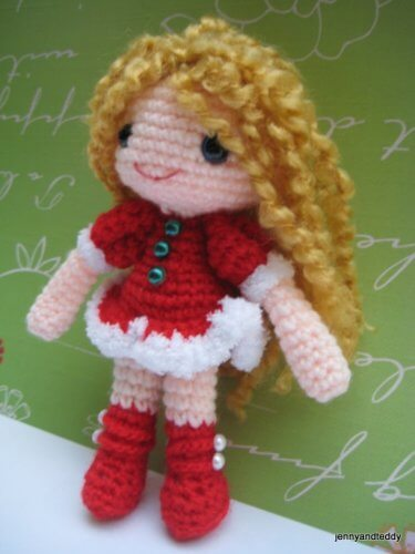 2-santa-helper-free-amigurumi-crochet-pattern