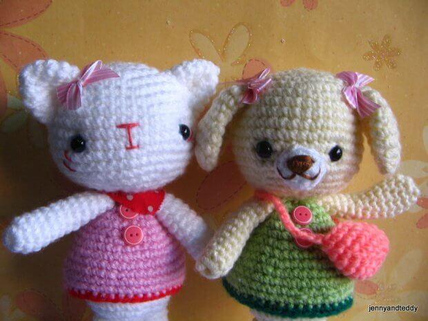 hello-kitty-and-teddy-bear-free-amigurumi-crochet-pattern-by-jennyandteddy