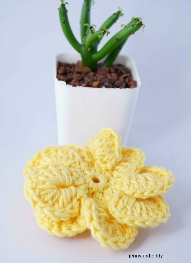 easy pinwheel flower free crochet pattern