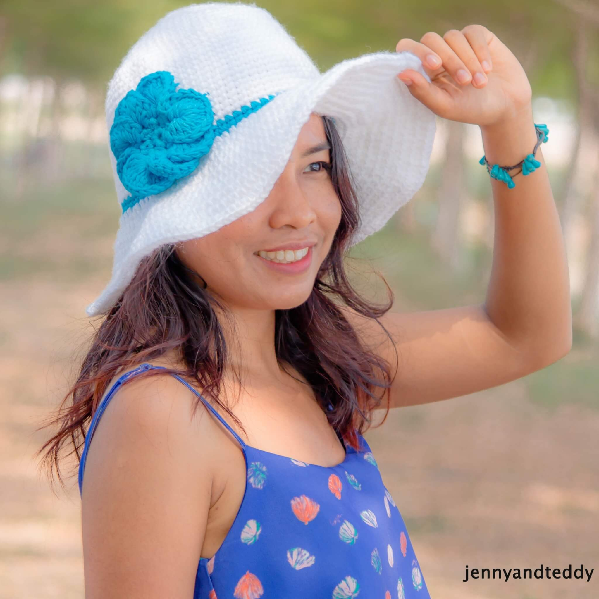 beginner friendly crochet sun hat free pattern by jennyandteddy