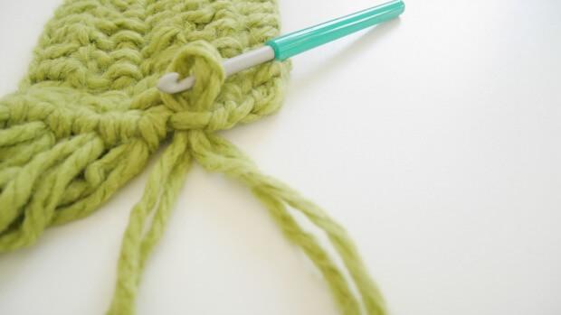 beginner fringe scarf long free crochet pattern