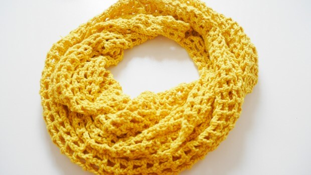 Easy Summer Mesh Lace Cowl Free Crochet Pattern