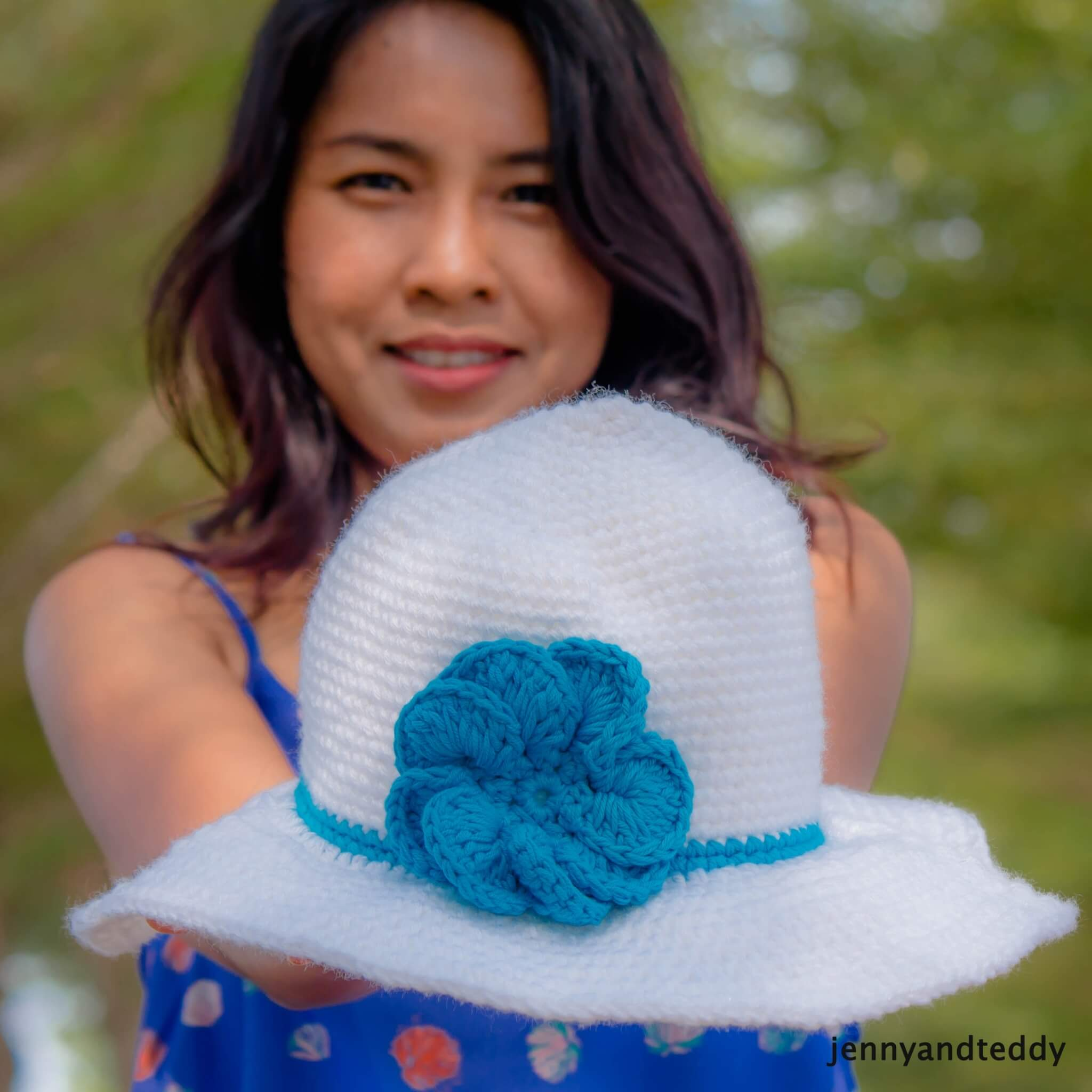 the easiest crochert sun hat tutorial by jennyandteddy
