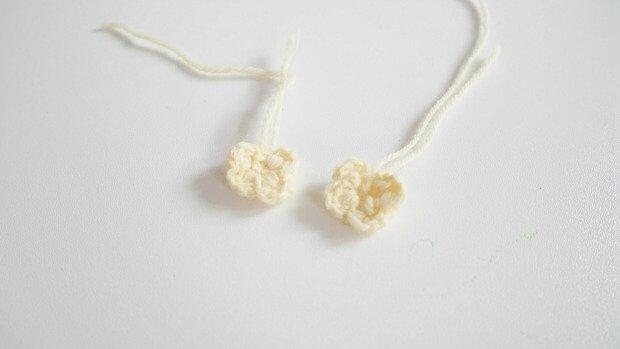 small crochet flower easy
