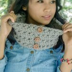 1 skein criss cross cowl free crochet pattern by jennyandteddy
