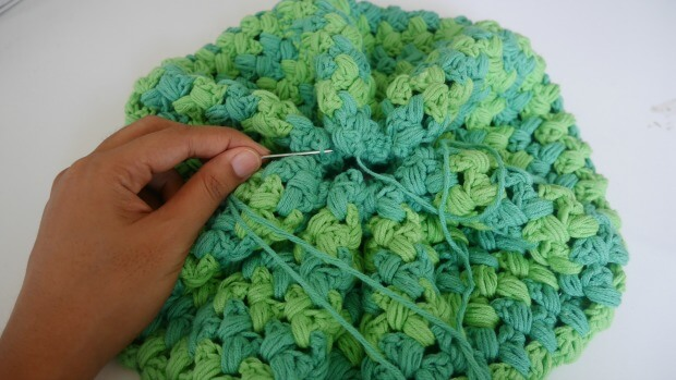 a beginner puff stitches crochet hat free pattern