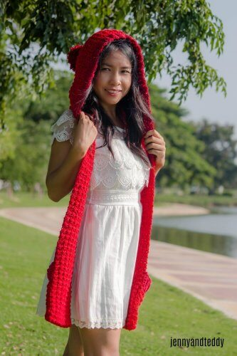 1the red riding hood pocket scarf free crochet pattern2