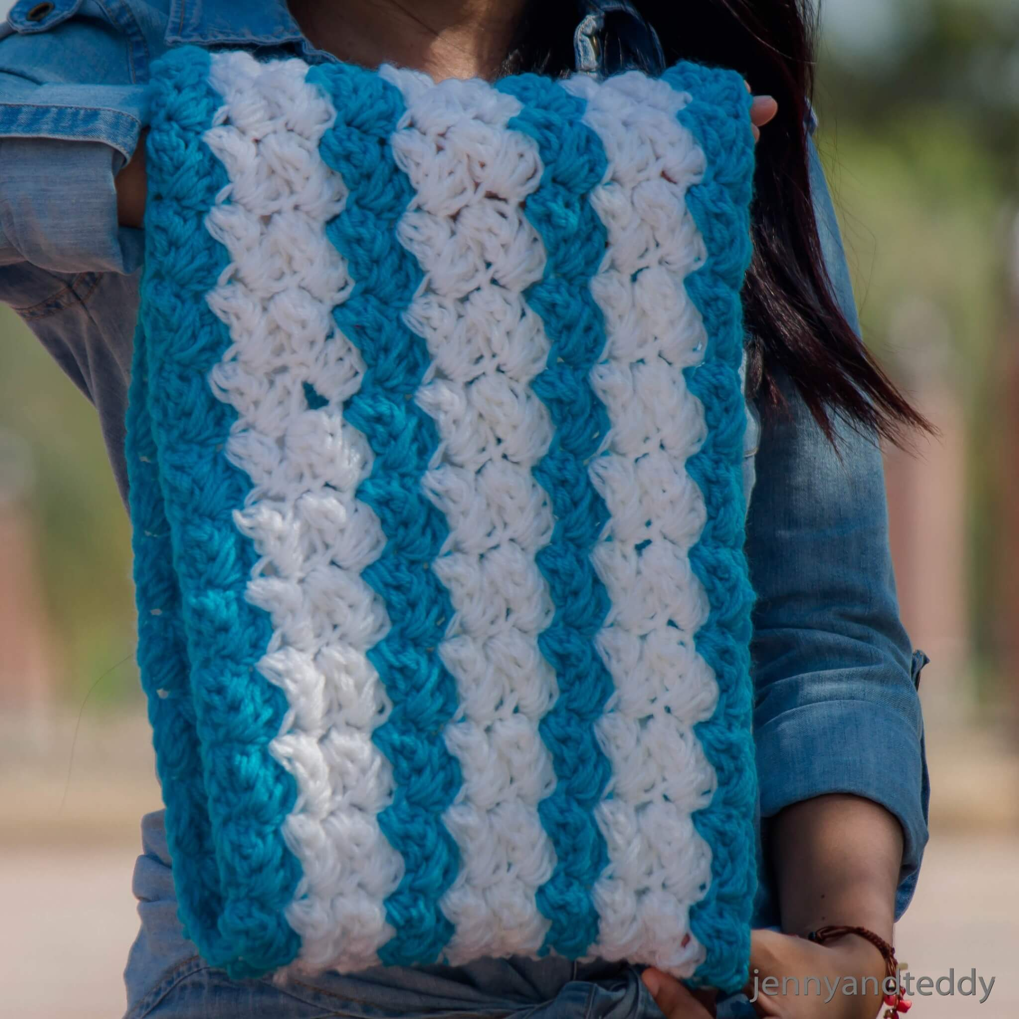The blanket stitch cowl free crochet pattern