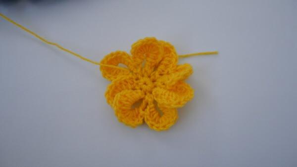 crochet flower free pattern 3d