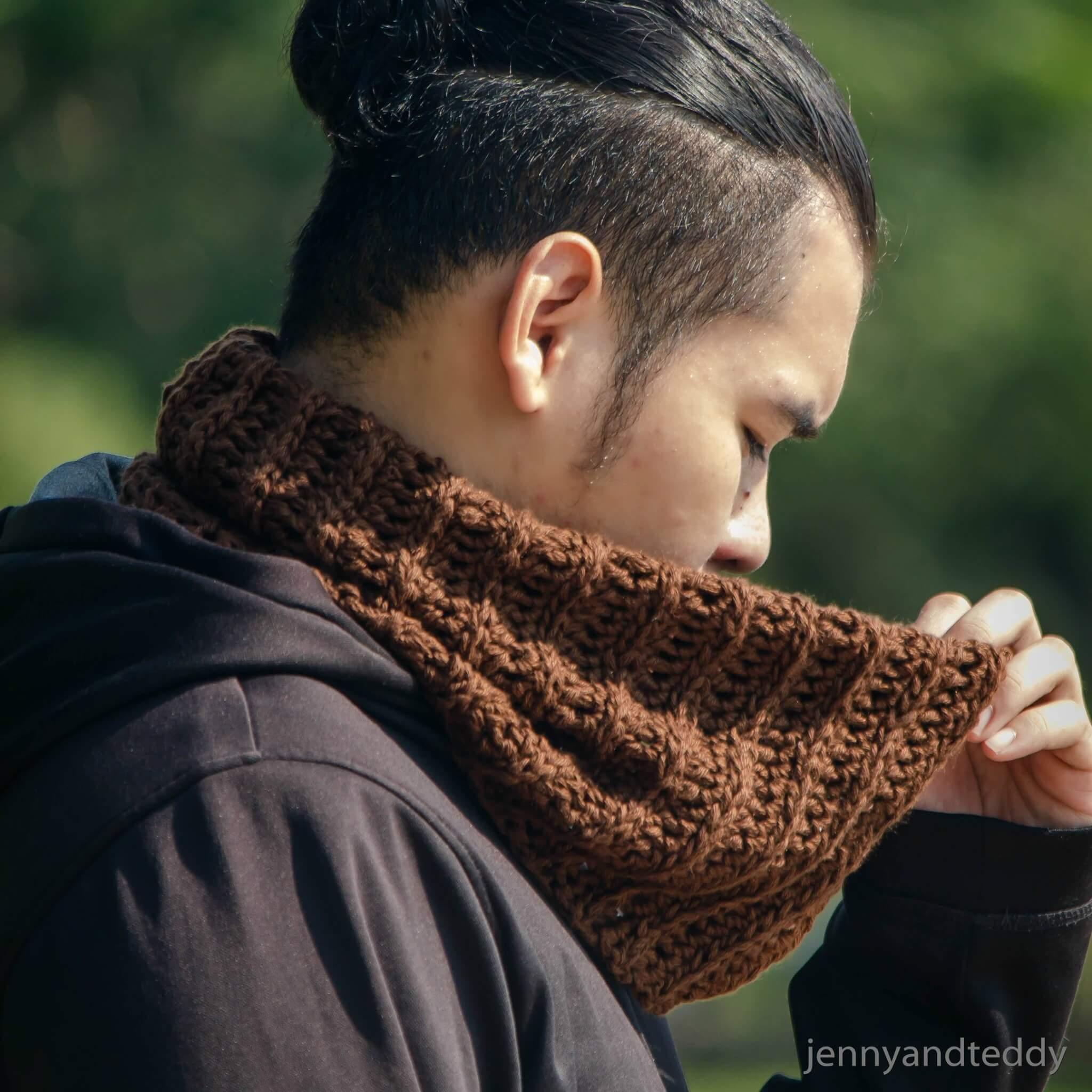 Latte Neck Warmer Cowl Free Crochet Pattern