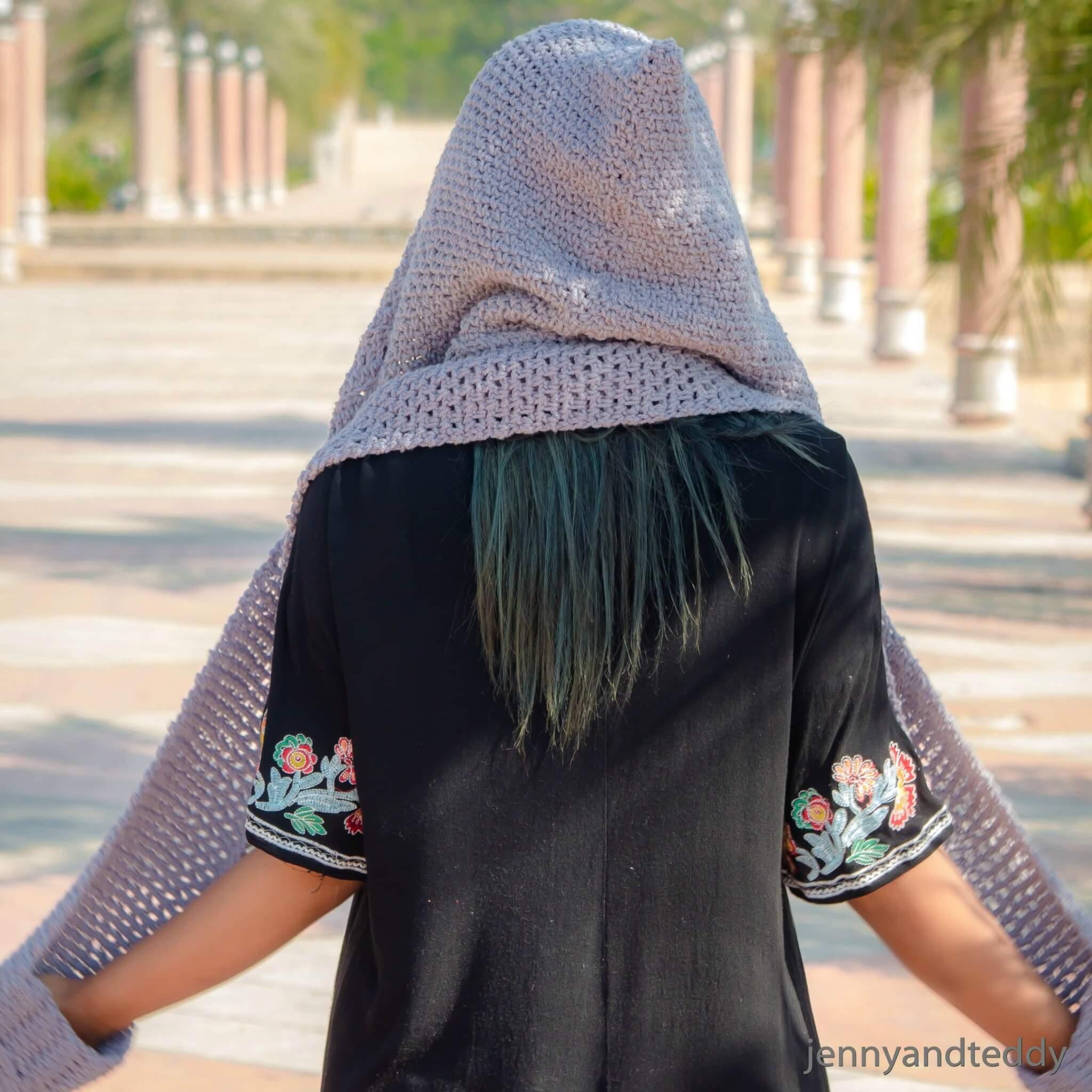 chloe hoody scarf with pocket free crochet pattern