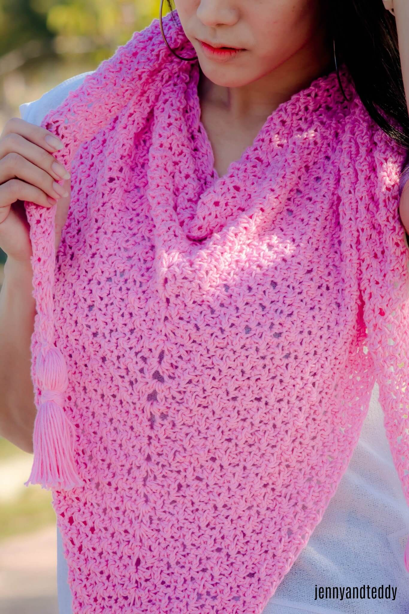 1easy basic triangle scarf free crochet pattern3