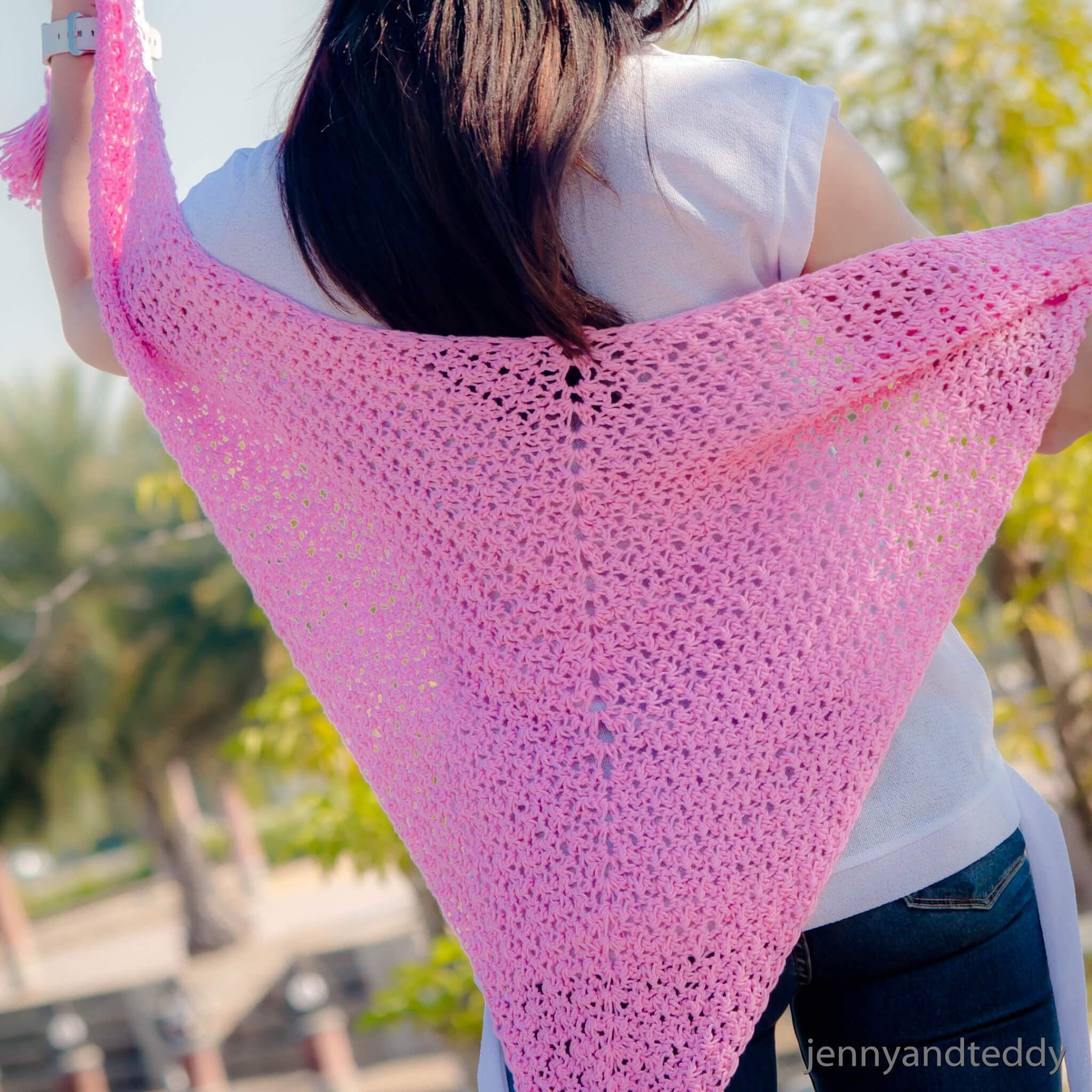 the beginner weekend triangle scarf crochet free pattern