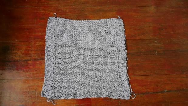 beginner crochet  poncho pattern with video tutorial.