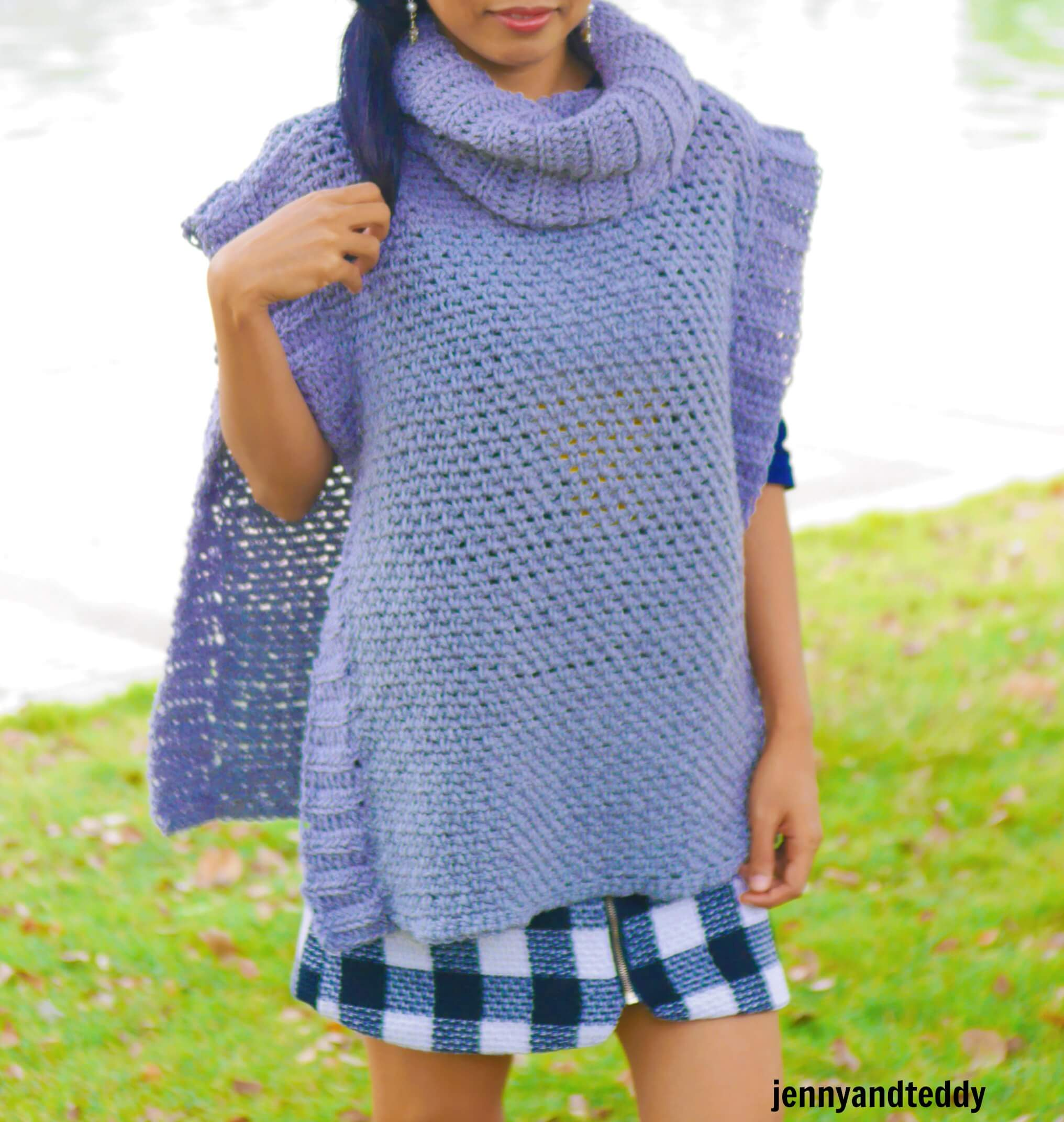 easy beginner crochet women poncho free pattern