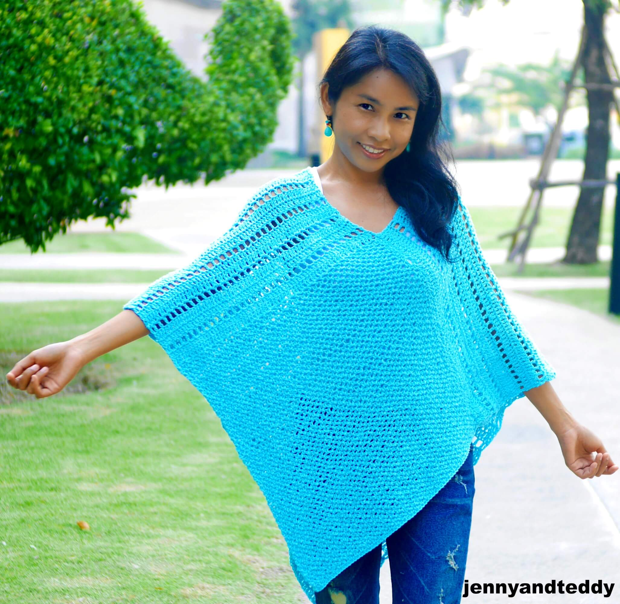 Lilly Easy Crochet Poncho Free Pattern