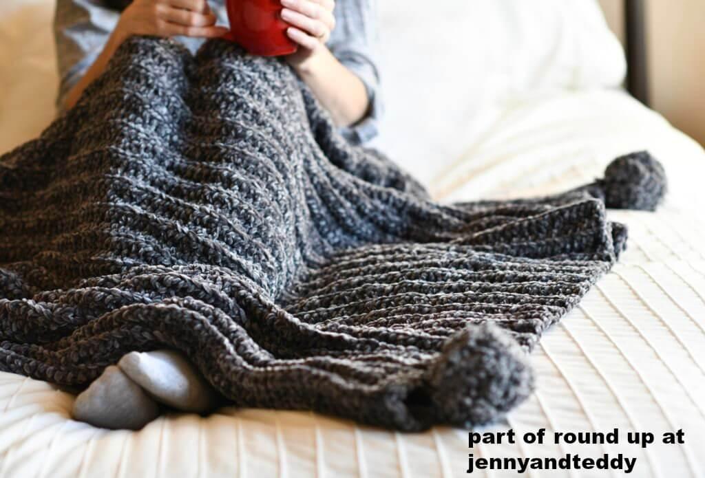 easy crochet velvet blanket image