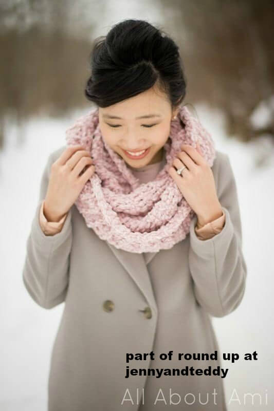 easy velvet ribbed cowl free crochet pattern photo
