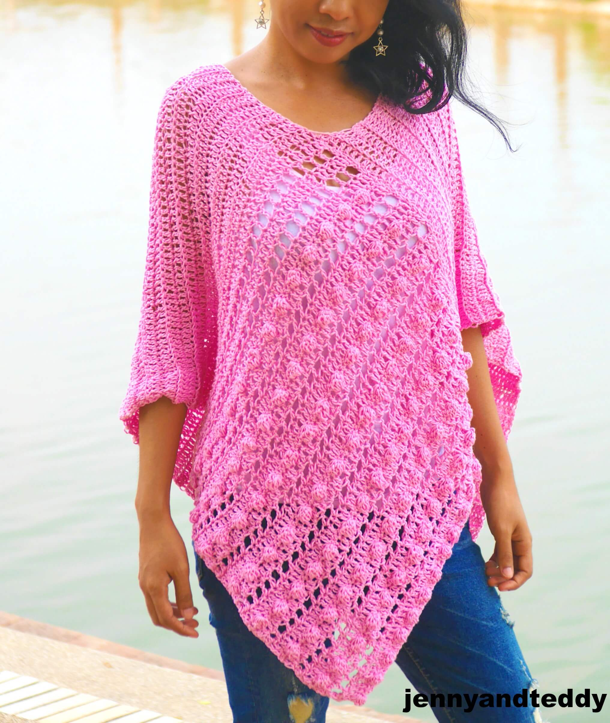 Bubble gum easy crochet poncho free pattern | jennyandteddy