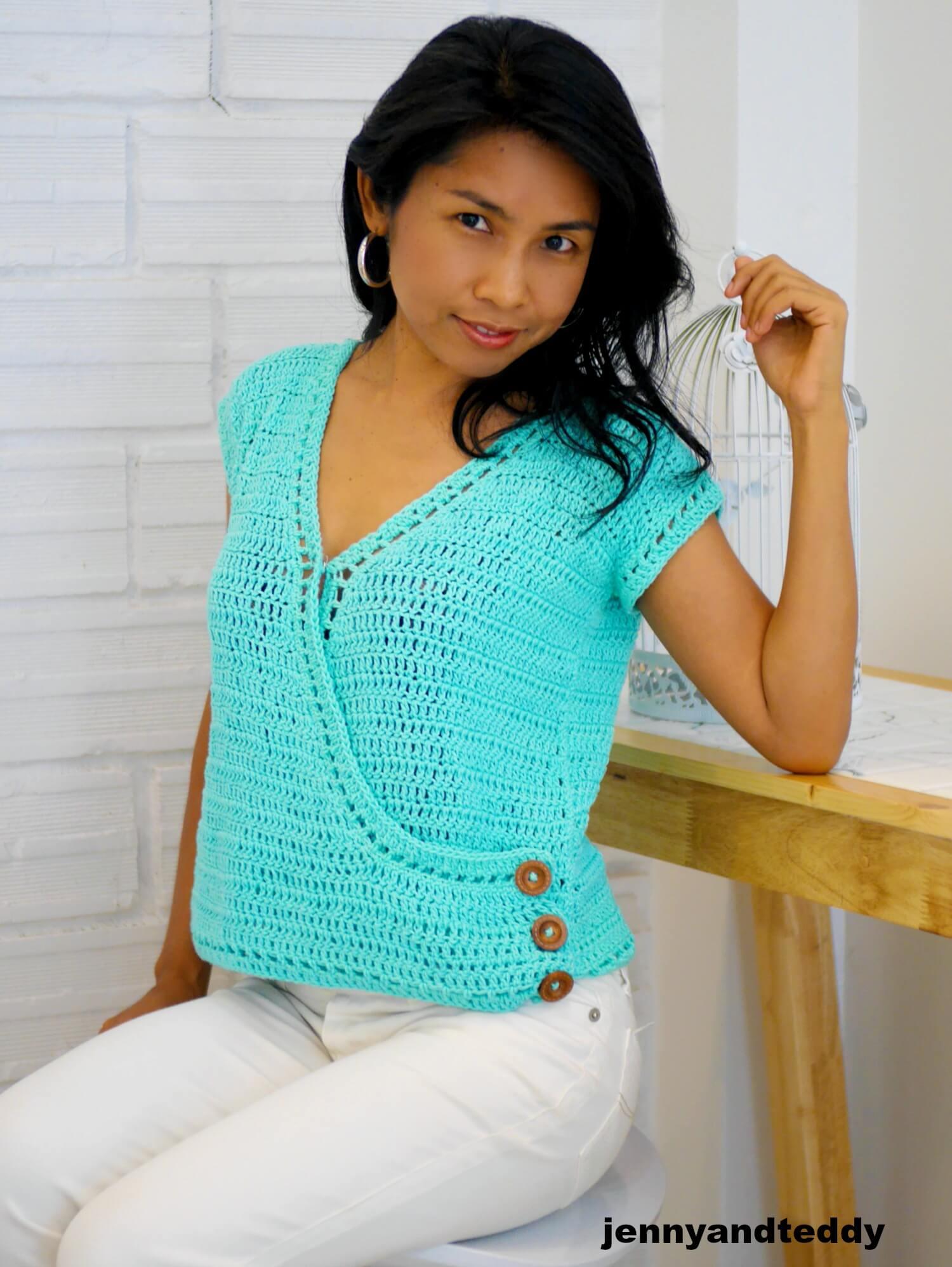 easy crochet summer top cross front image