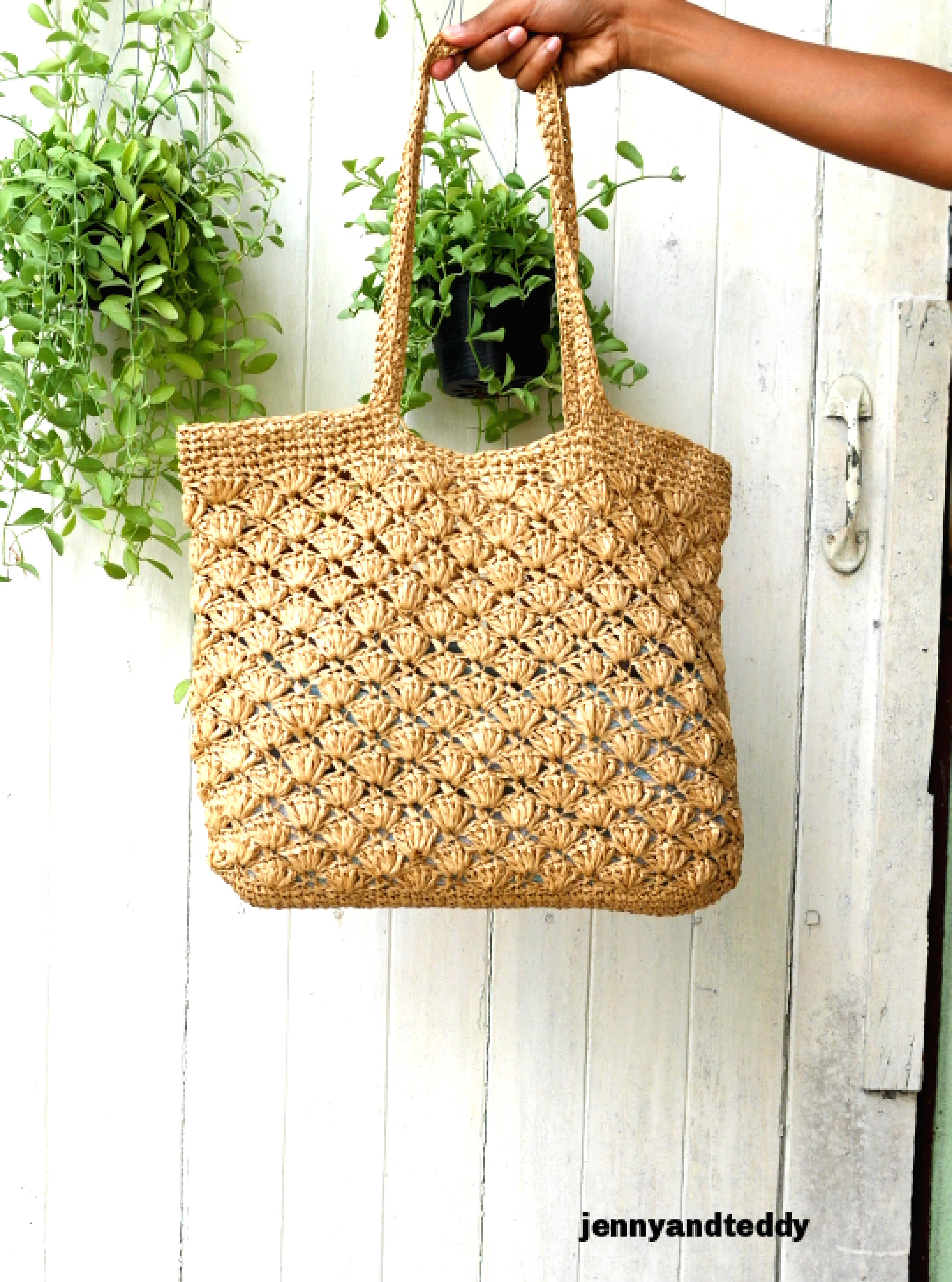 holiday raffia bag free crochet pattern and tutorial