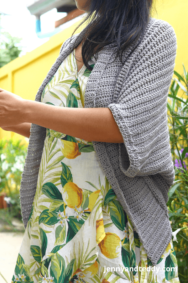 Easy crochet ribbed cardigan free crochet pattern with video.